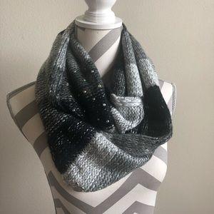 Betsey Johnson Black/Gray Knit Scarf NWT